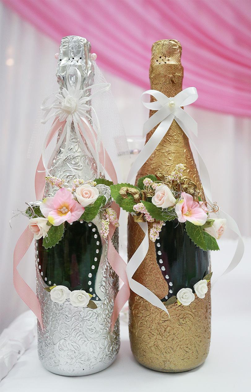 Красивое декорирование бутылок на свадьбу