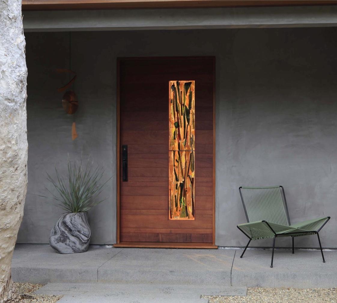 Входная дверь с рисунком