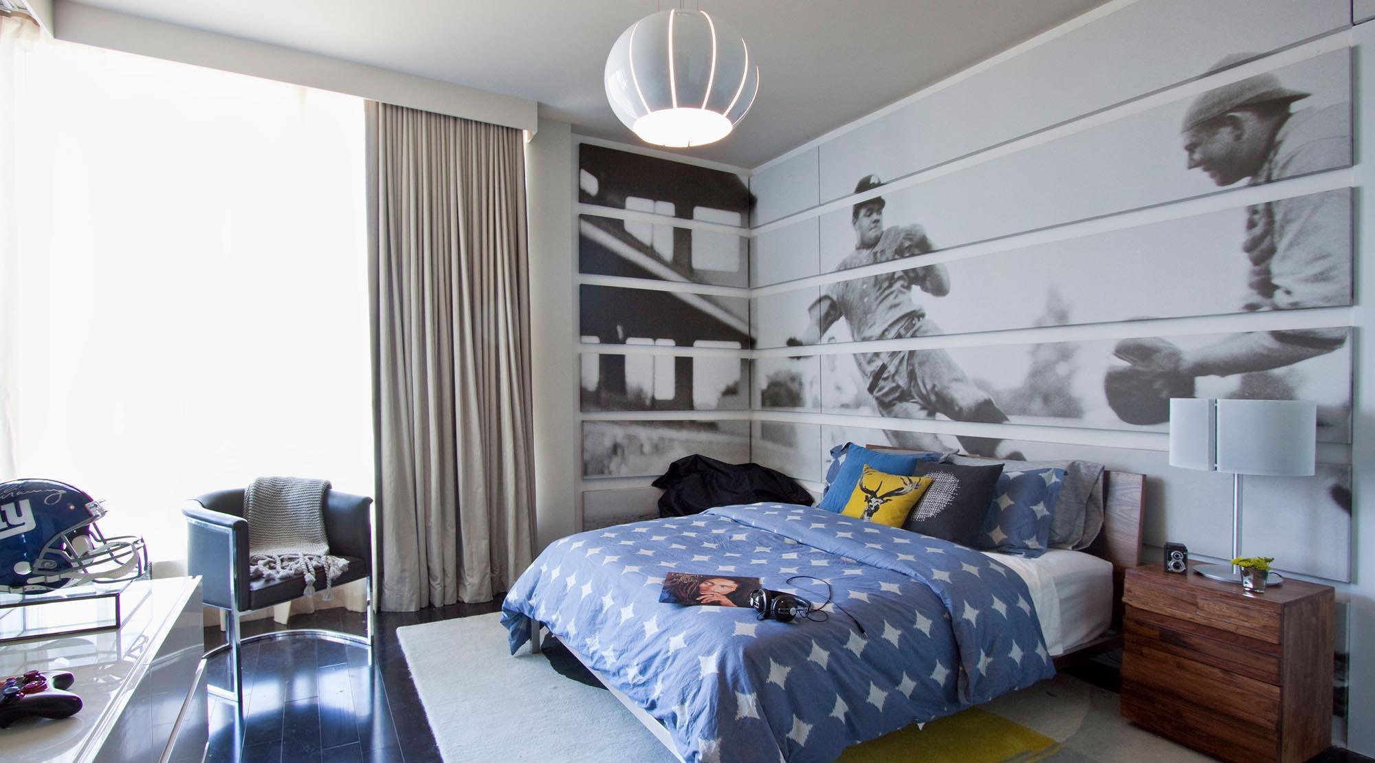 Стильная небольшая комната для мальчика подростка
