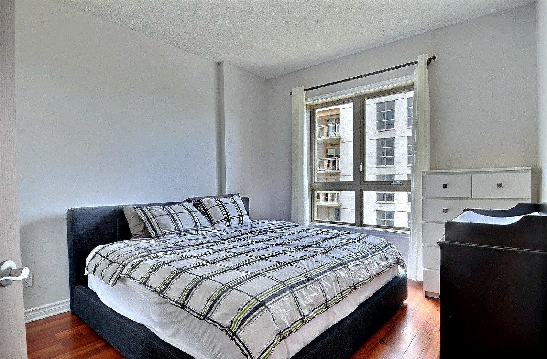 Спальня 14 кв.м. в монохромном дизайне
