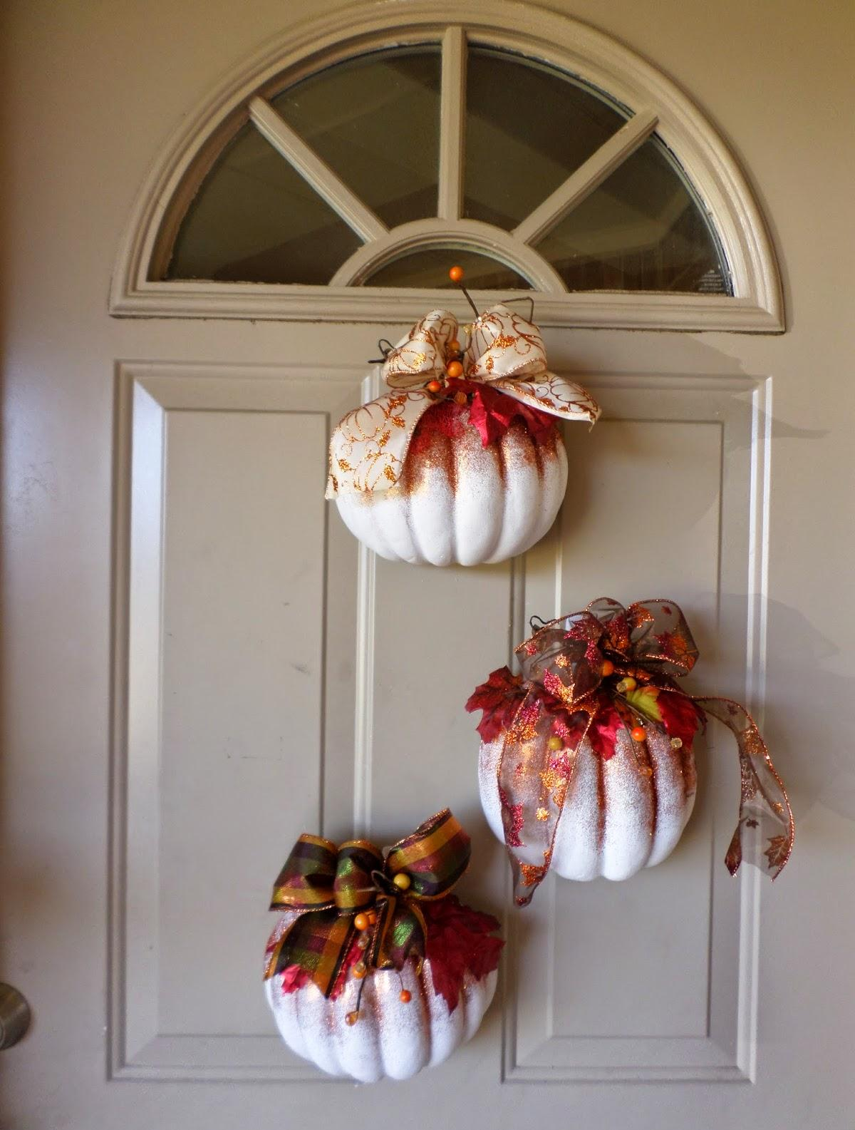 Декор из пенопласта в виде тыквы