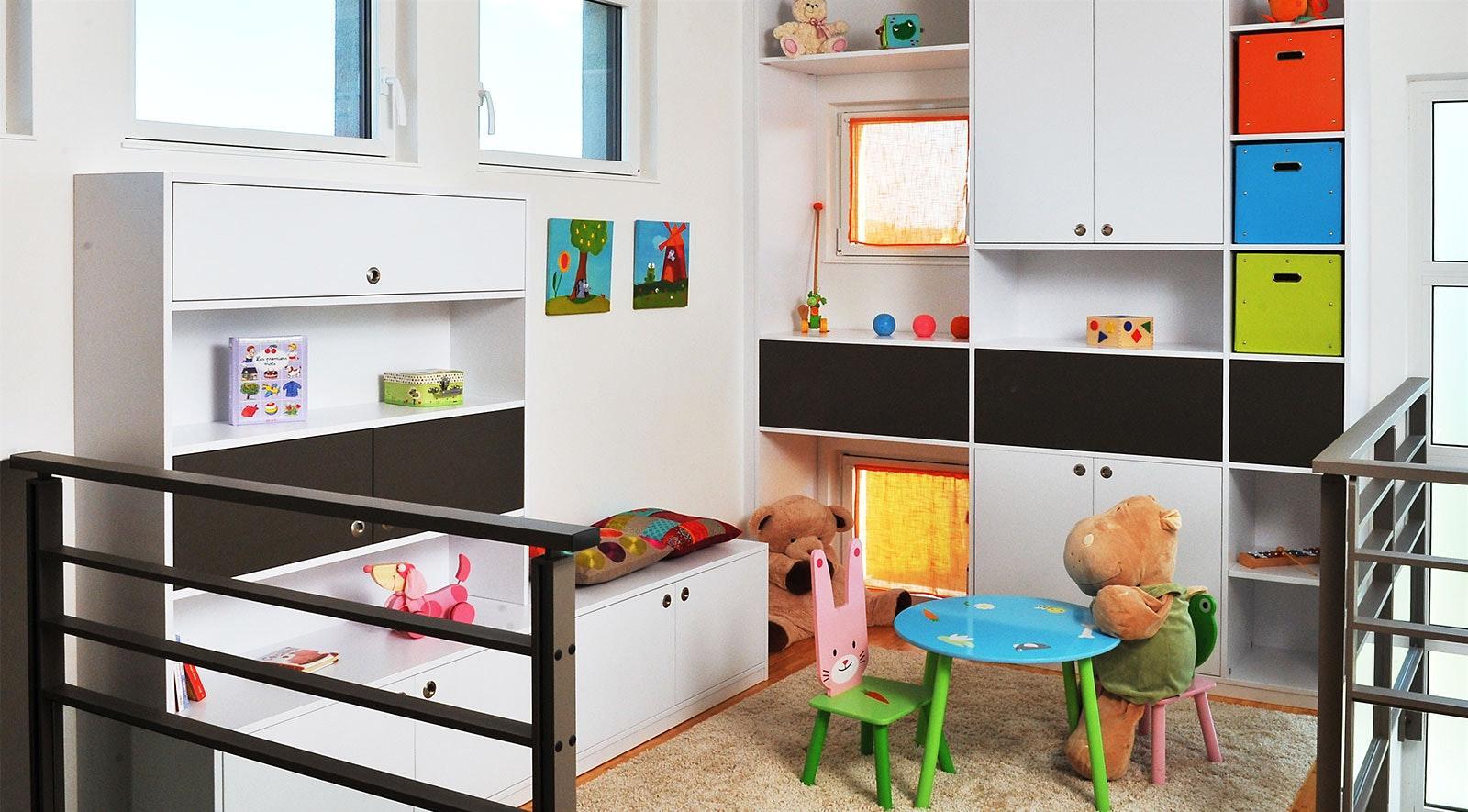 Эконом дизайн детской комнаты с модульной мебелью