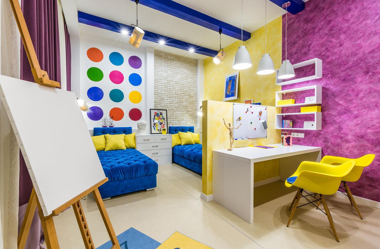 Дизайн детской комнаты для двух мальчиков яркий