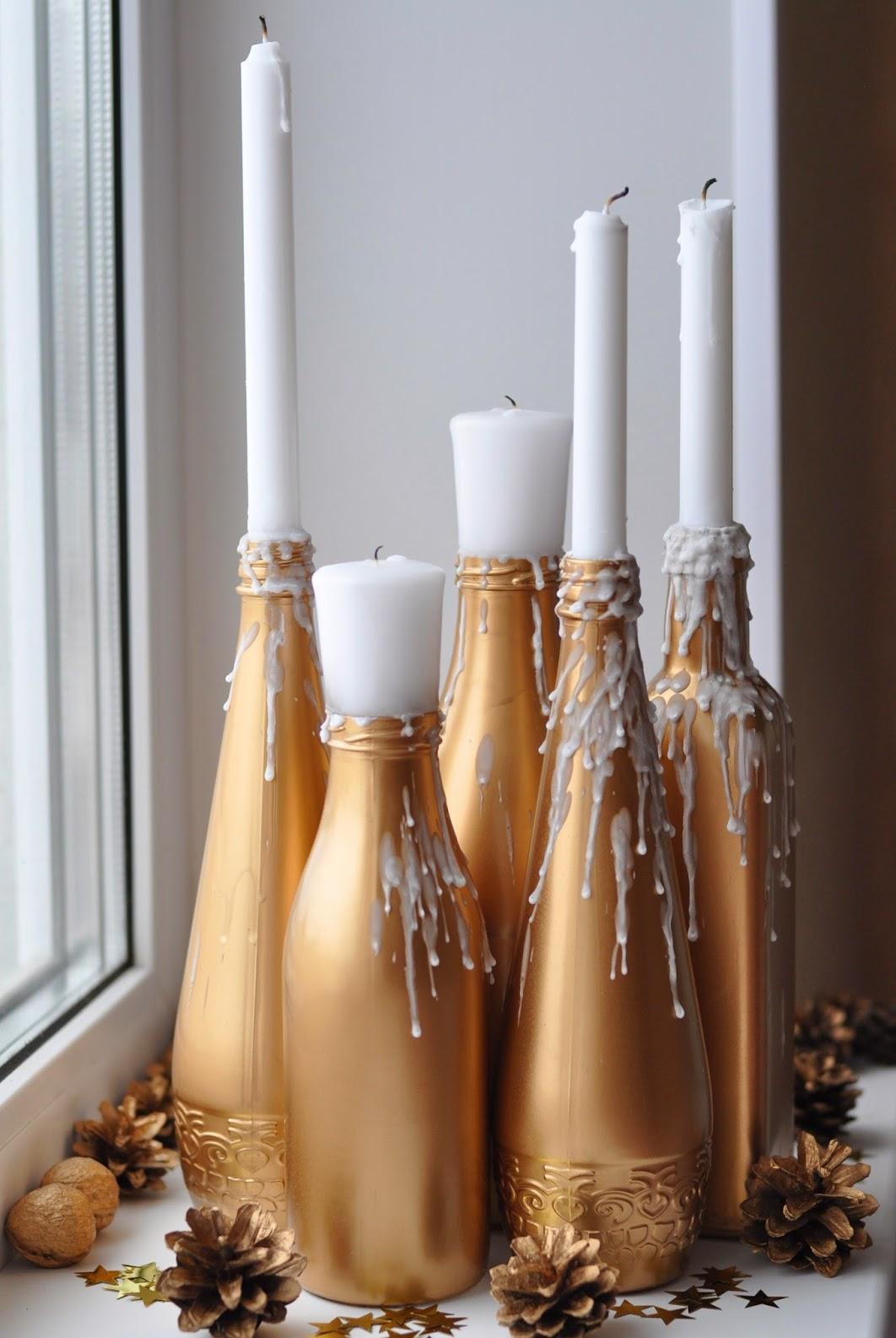 Новогодний декупаж бутылки шампанского для подсвечника