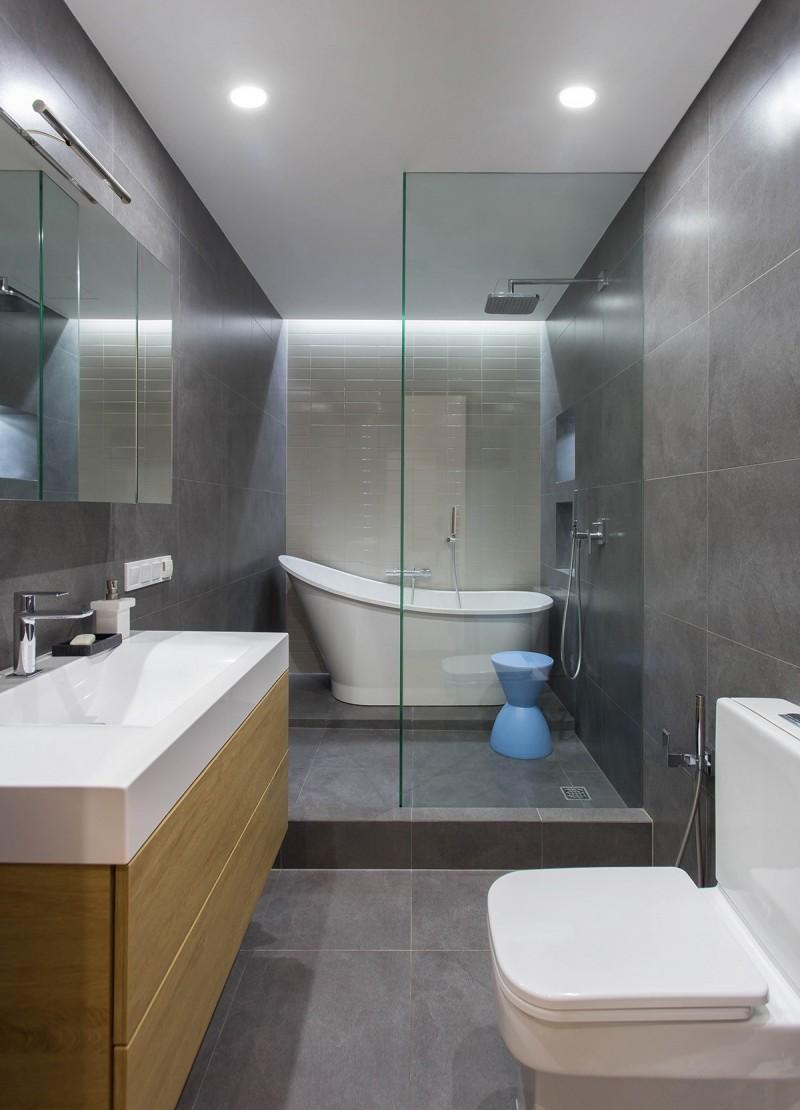 Маленькая ванная комната серая