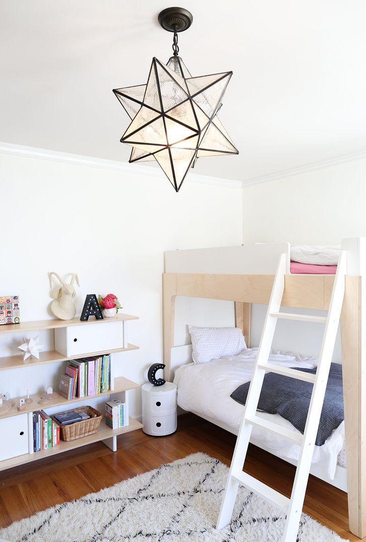 Детская комната в хрущевке с мебелью из фанеры