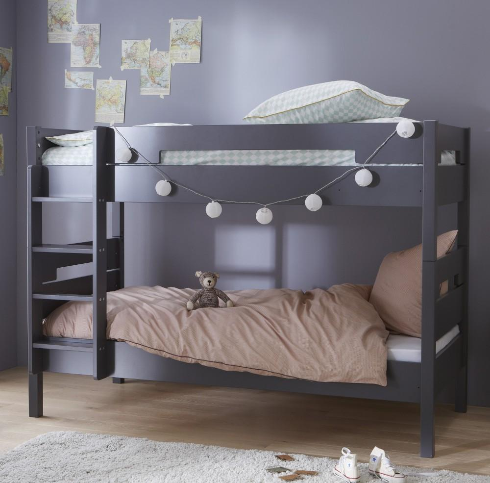 Двухъярусная детская кровать в стиле минимализм