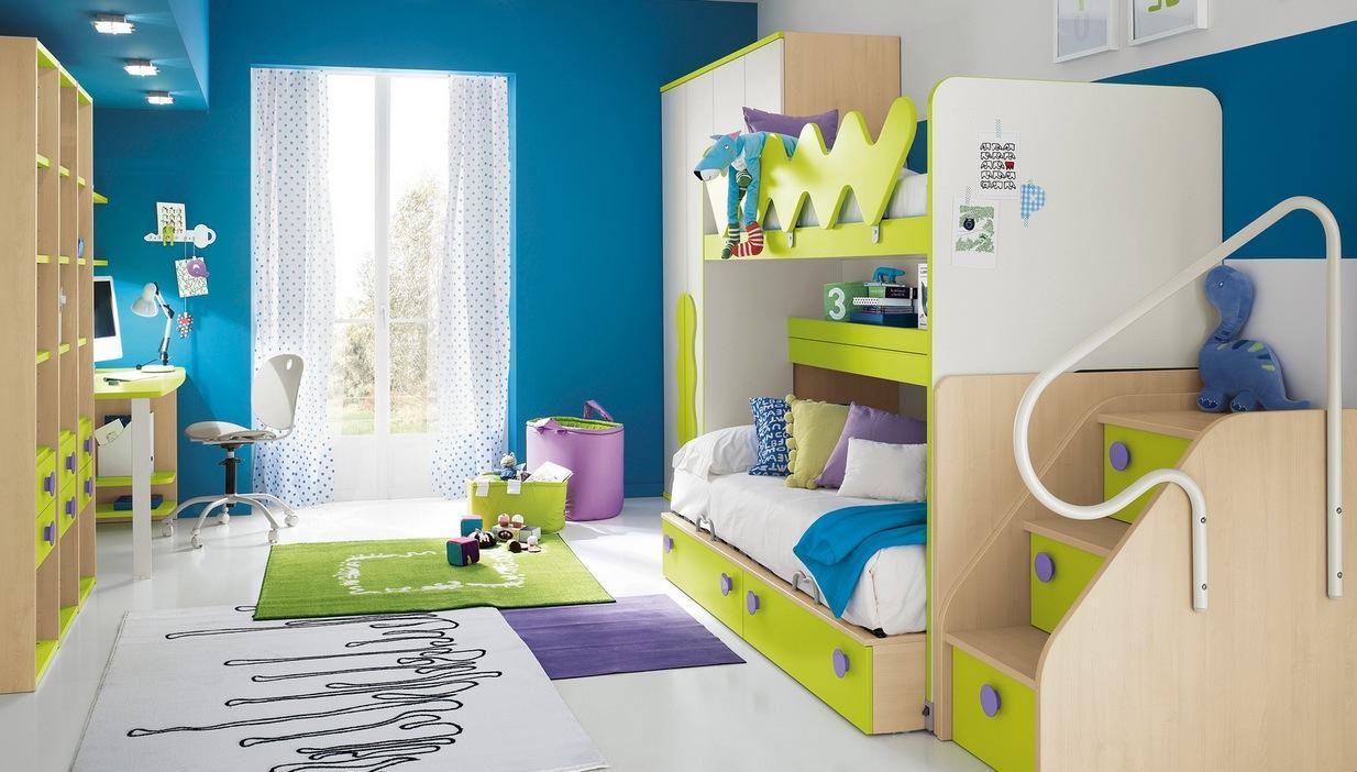Детская комната в хрущевке с диваном-кроватью