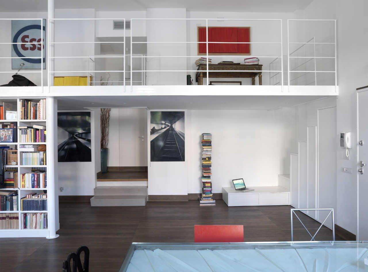 Двухуровневая квартира с яркими акцентами