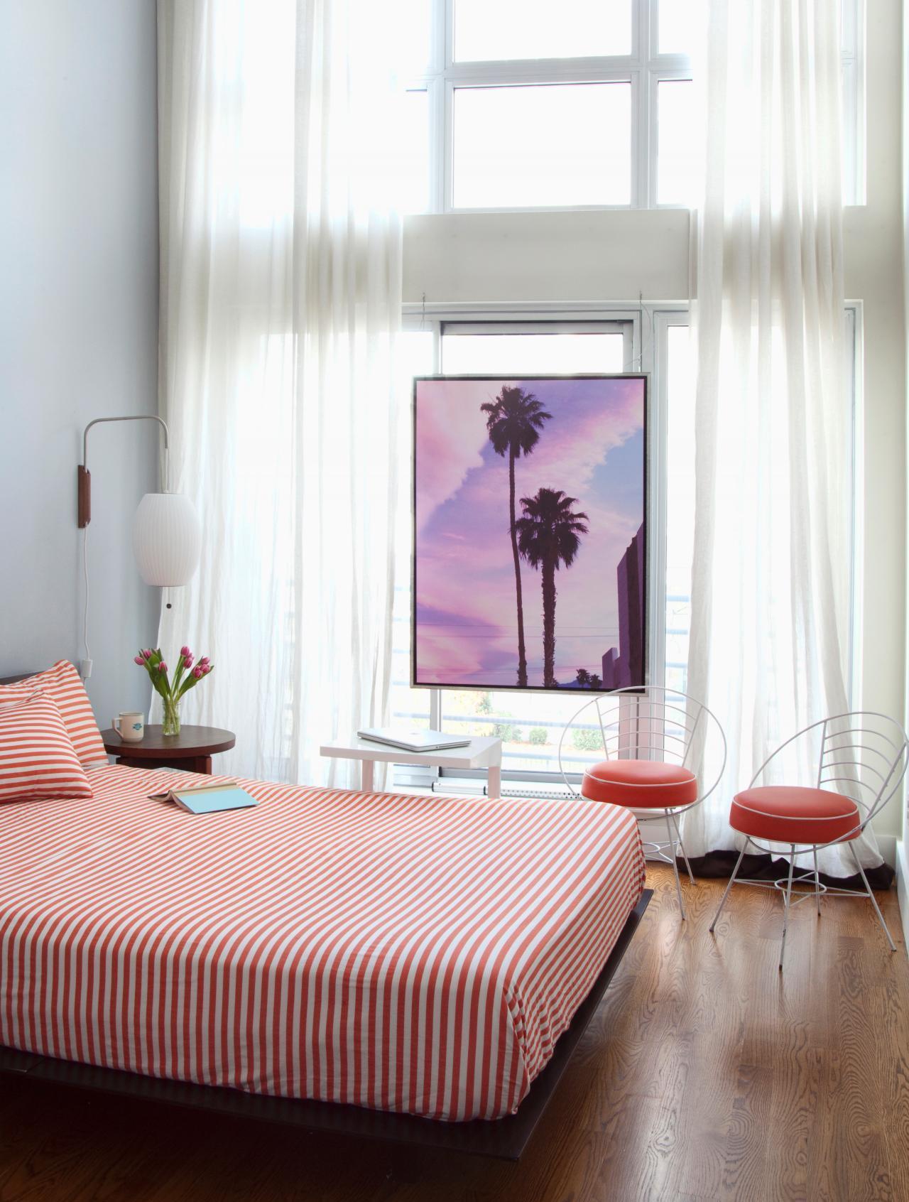 Спальня 14 кв.м. с высоким потолком