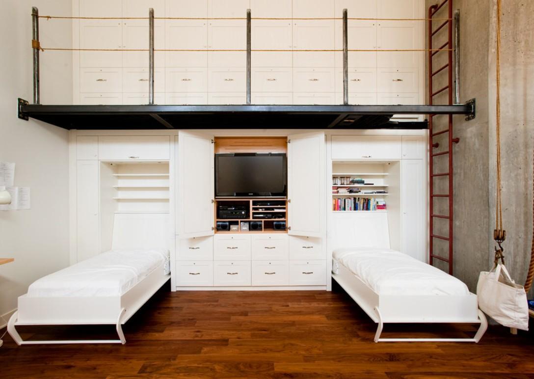 Две встроенные односпальные кровати