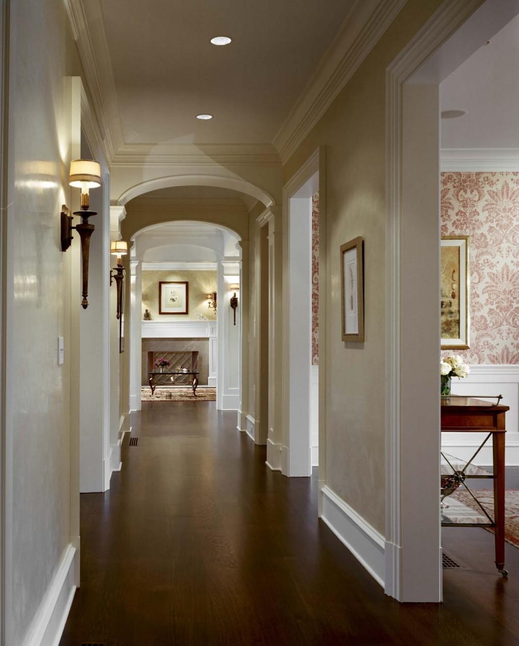 Дизайн коридора с аркой из пенопласта