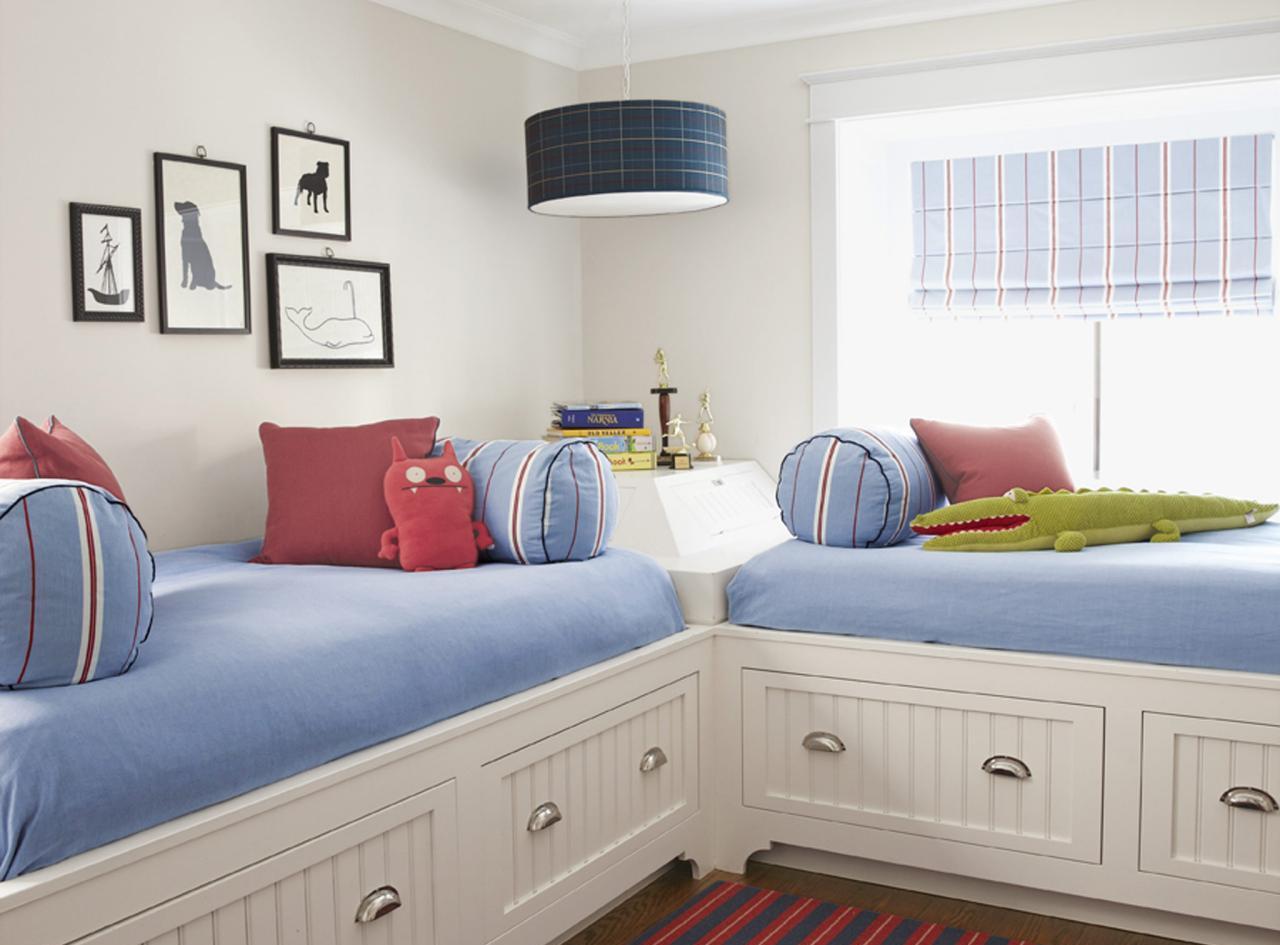 Дизайн детской комнаты для двух мальчиков в морском стиле