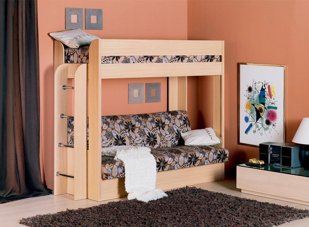 Светло-коричневая двухъярусная кровать для детской комнаты
