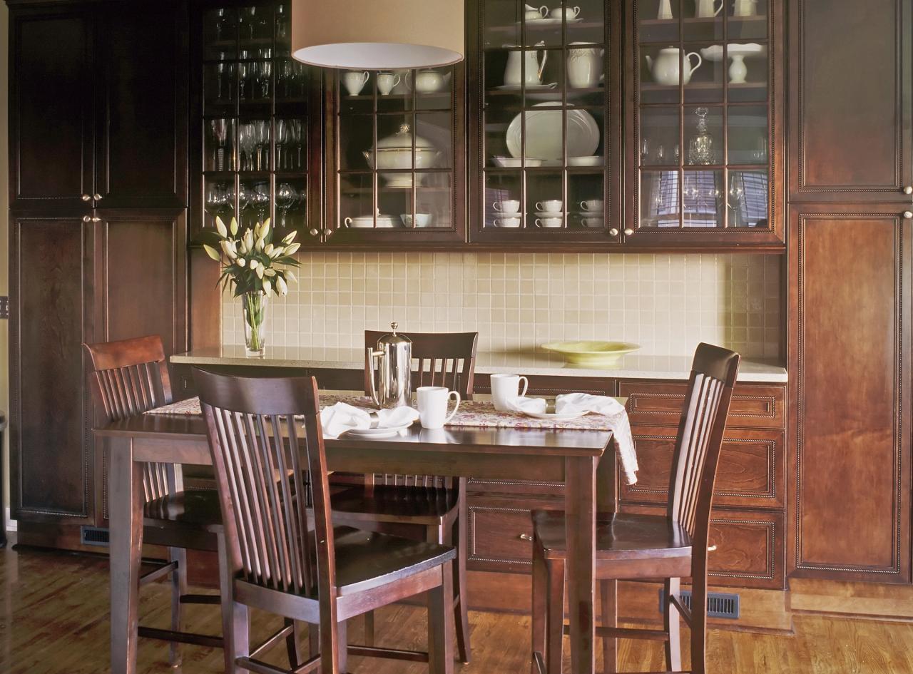 Деревянная кухня 14 кв. м