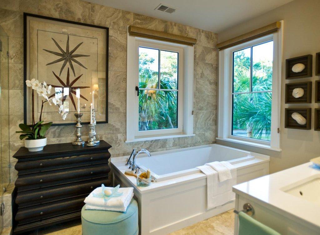 Ванная с каменной отделкой