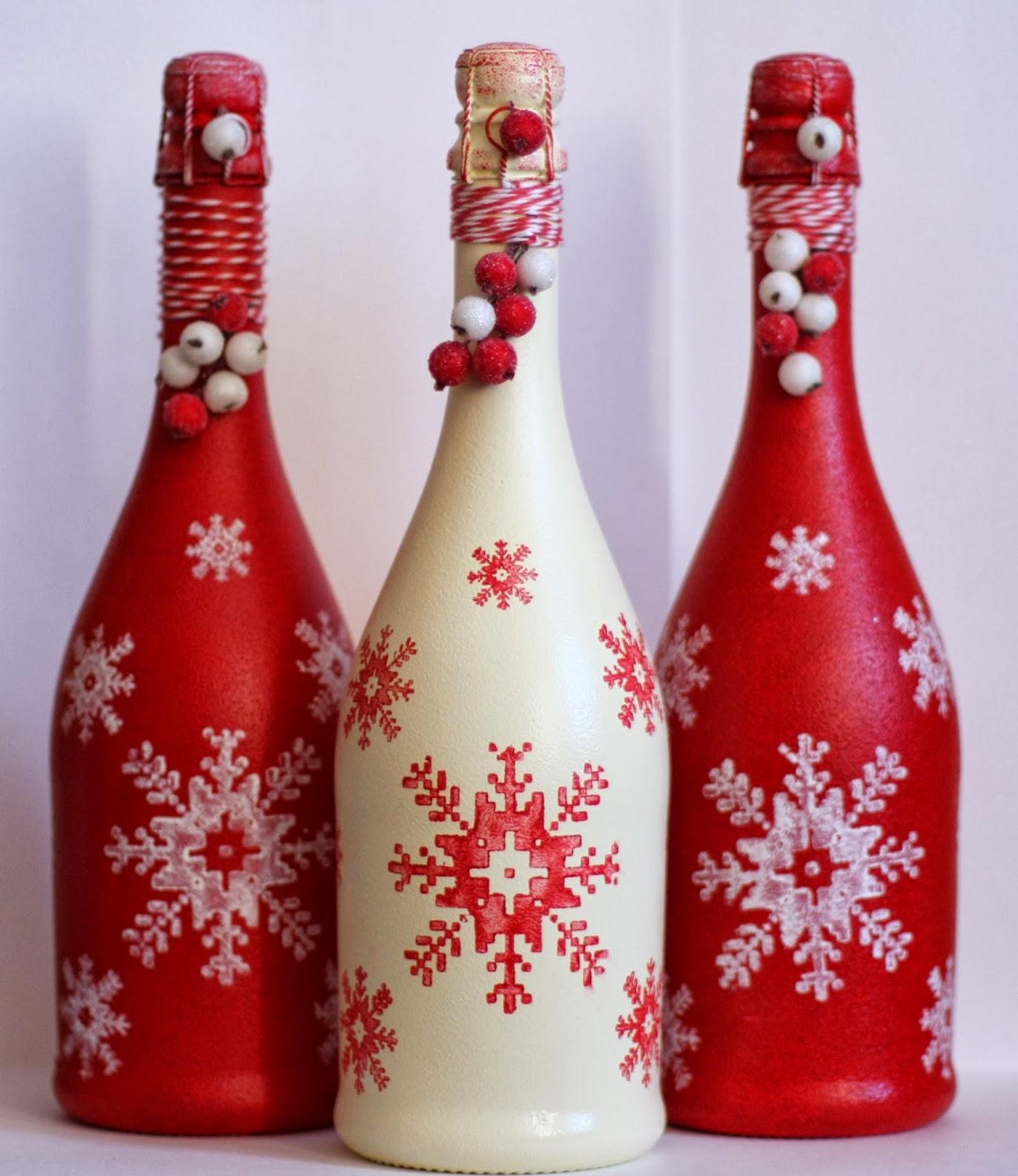 Декупаж бутылки шампанского на новый год со снежинками