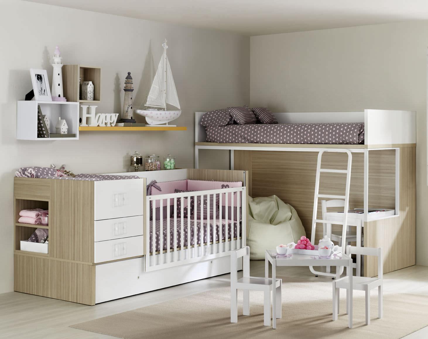 Детская комната для двух мальчиков с кроватью чердаком