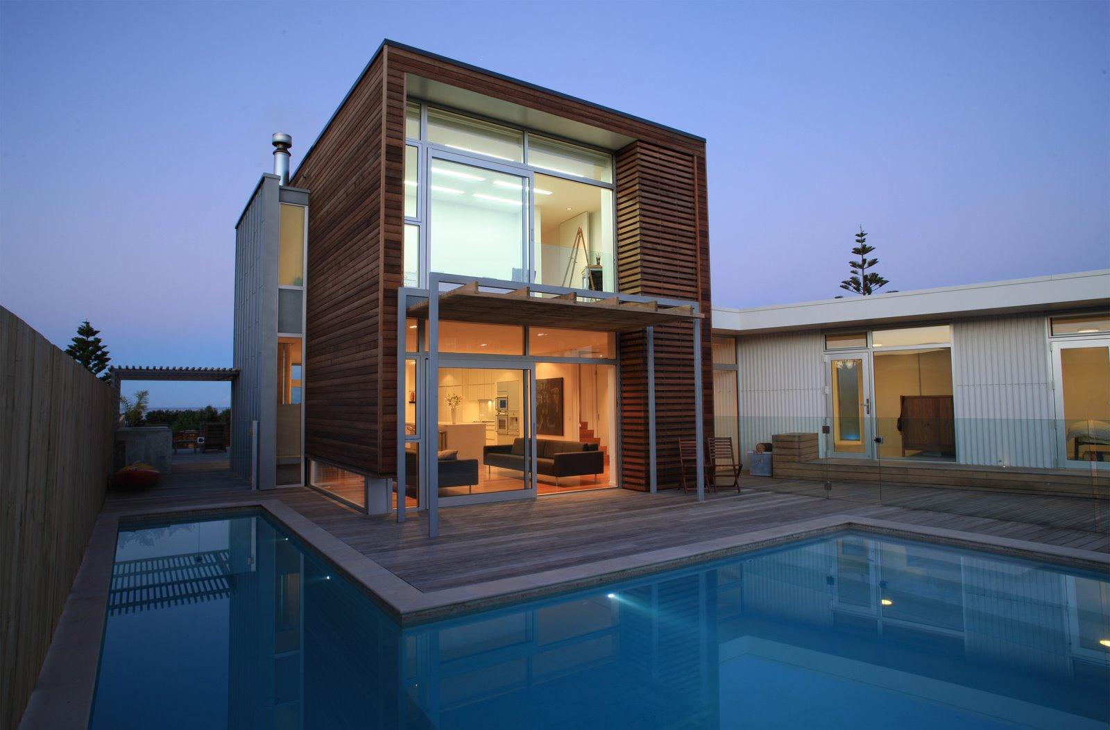 Деревянный фасад дома в стиле модерн