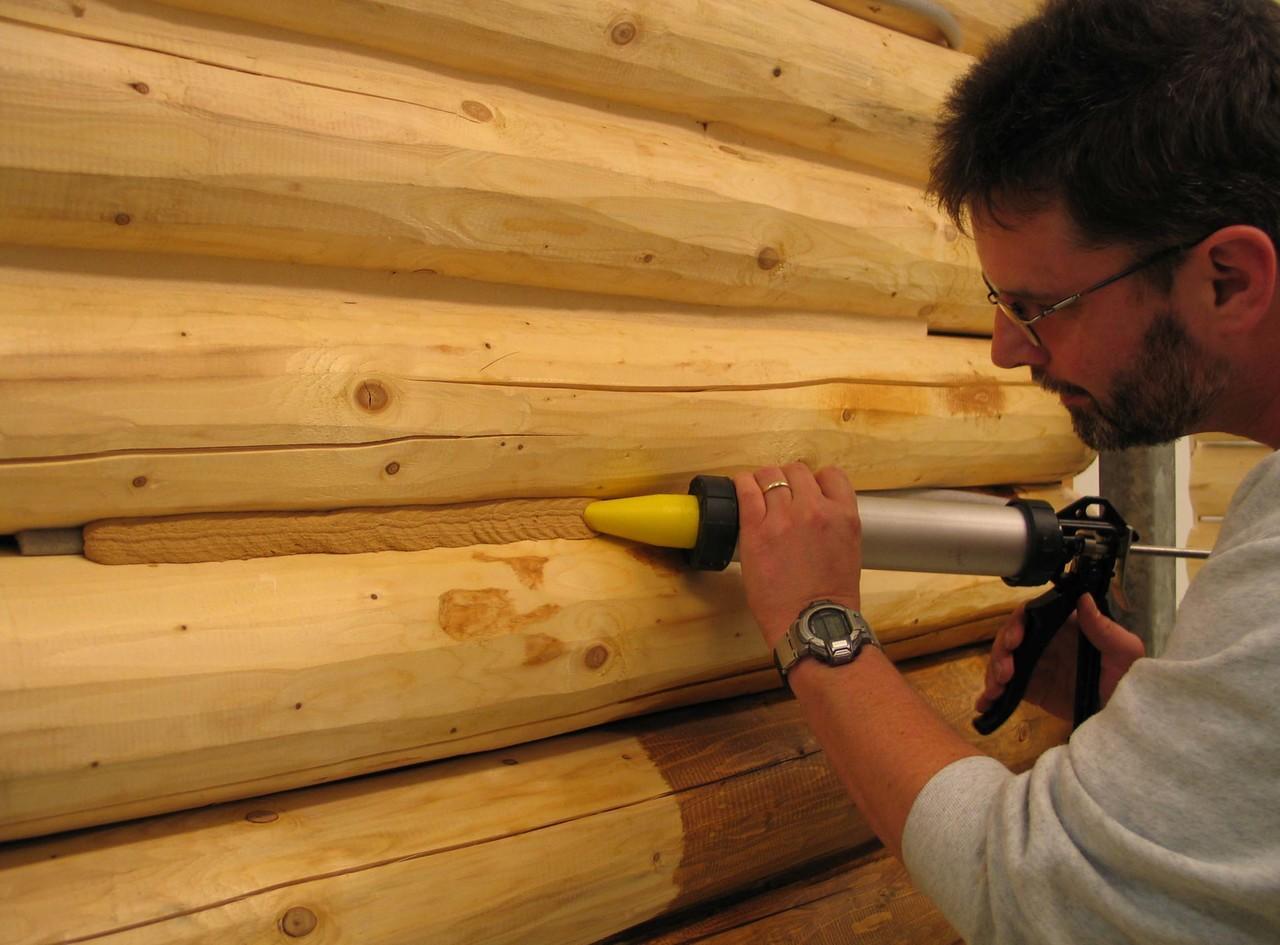 Герметик для наружных работ по дереву