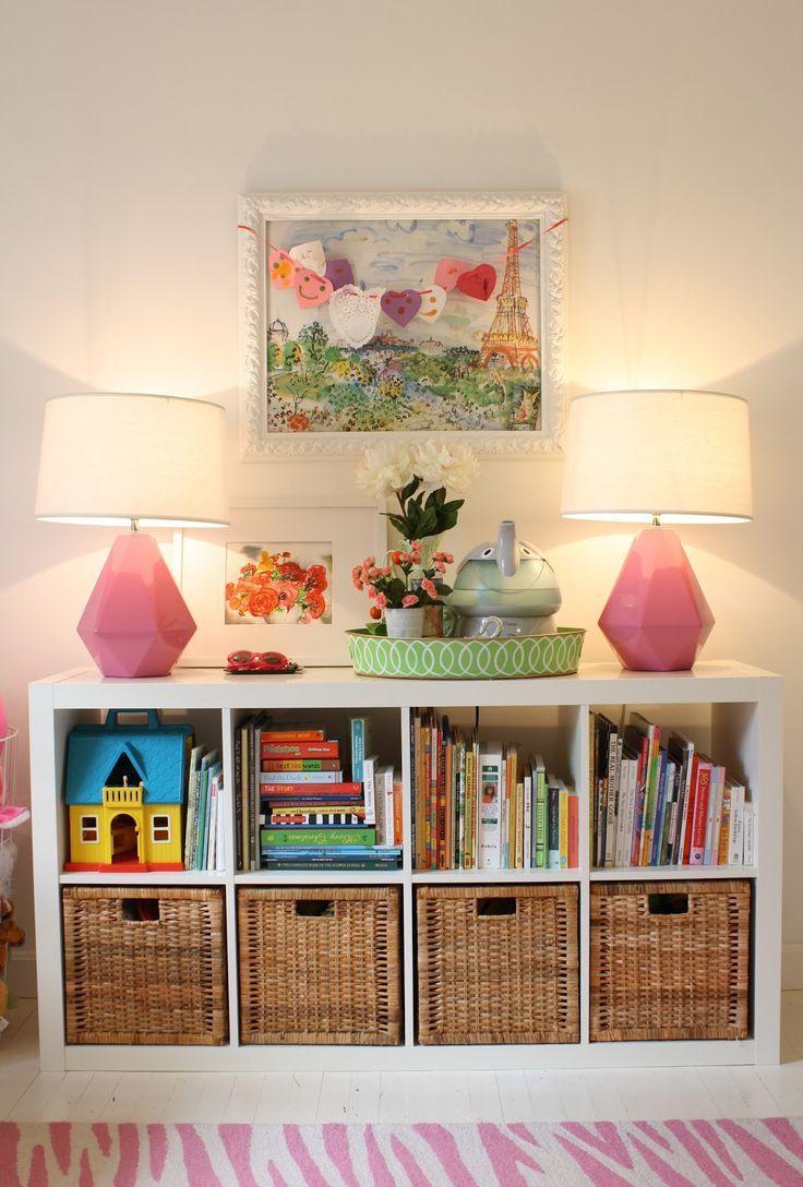 Детская комната в хрущевке с лампами
