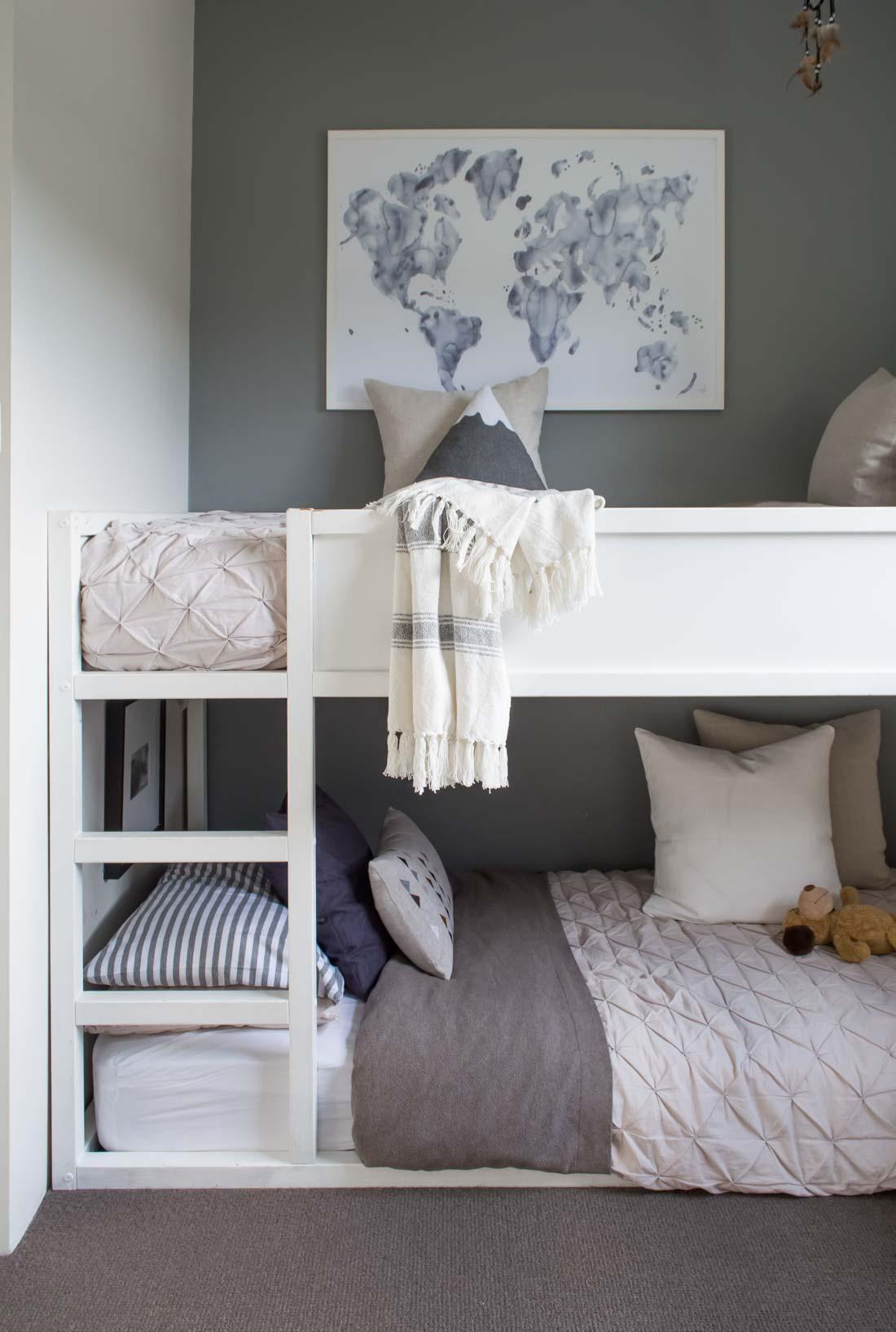 Двухъярусная детская кровать этно