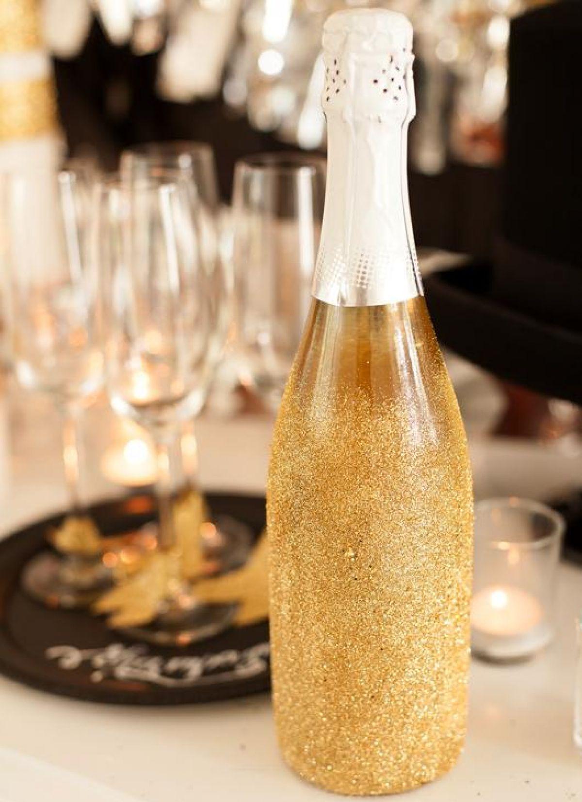 Декупаж бутылки шампанского на новогодний стол