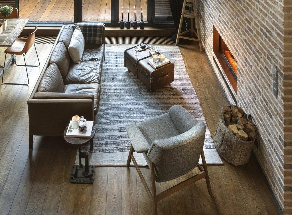 Прямой диван в стиле лофт