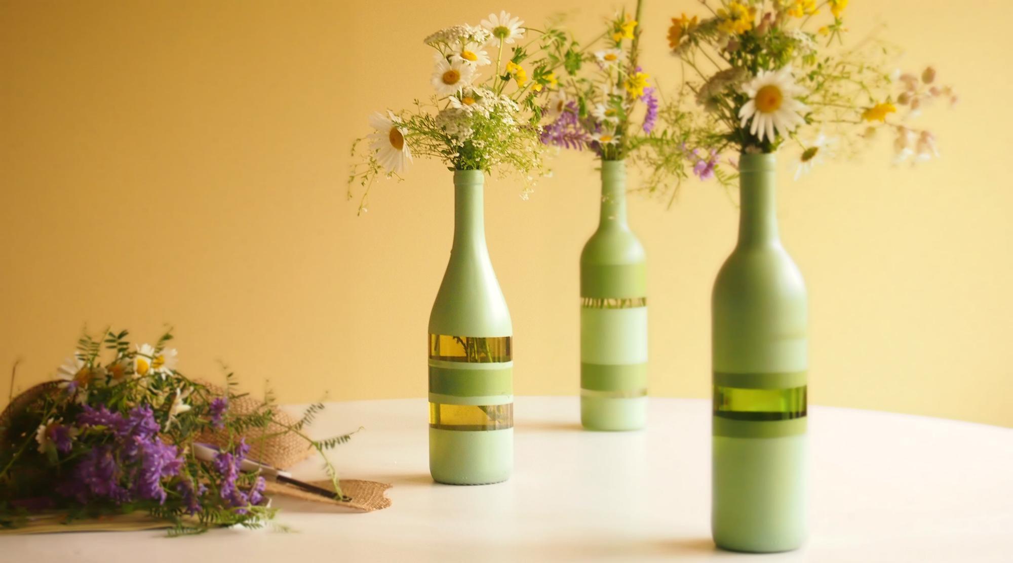 Покраска бутылок под цветы