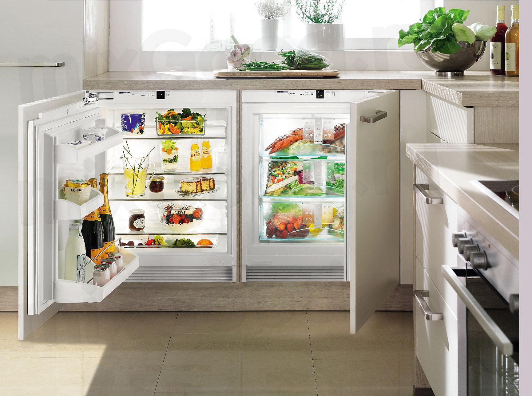 Встроенный небольшой холодильник