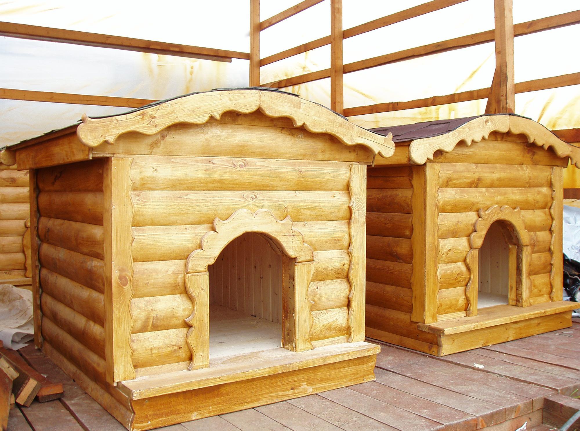 Необычные деревянные будки для собак