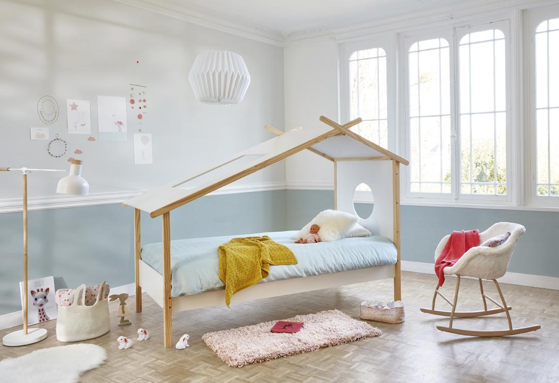 Эконом дизайн детской комнаты голубой