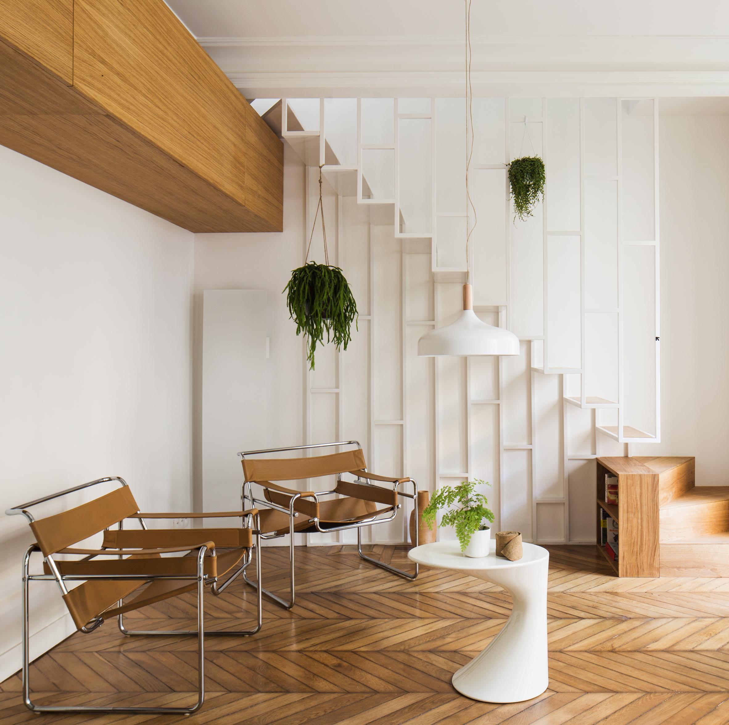 Двухуровневая квартира в конструктивистском стиле