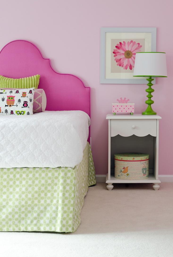 Розово-салатовая спальня