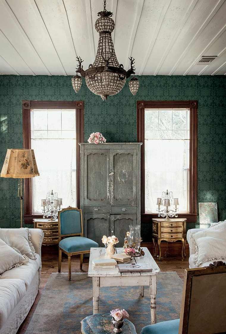 Гостиная с двумя окнами в стиле шебби шик