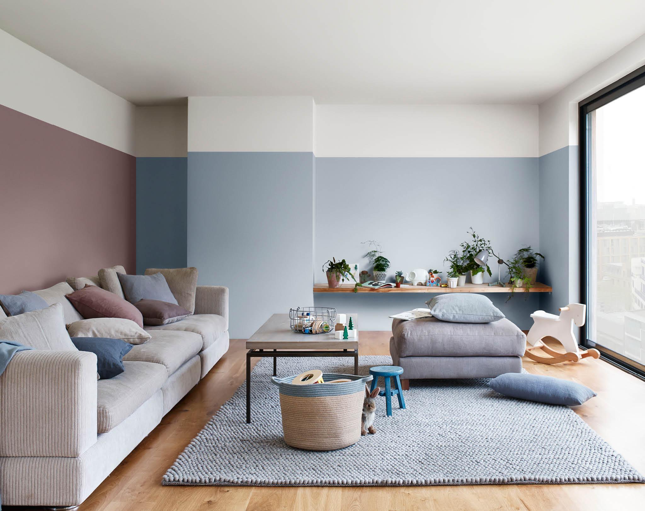 Голубая гостиная в стиле минимализм