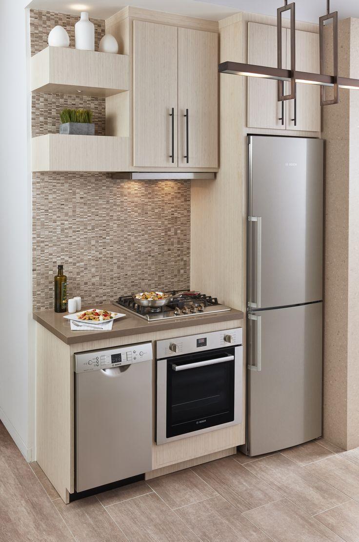 Расположение холодильника на маленькой кухне