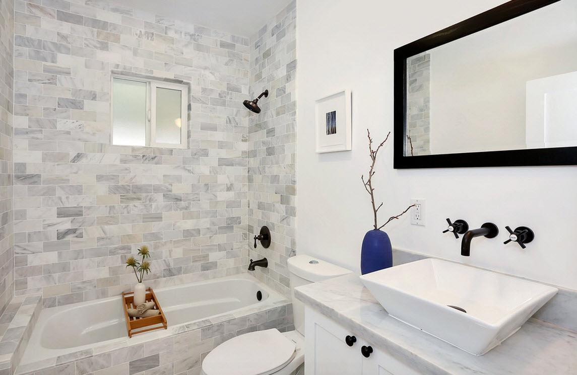 Бело-серая ванная с минимумом декора