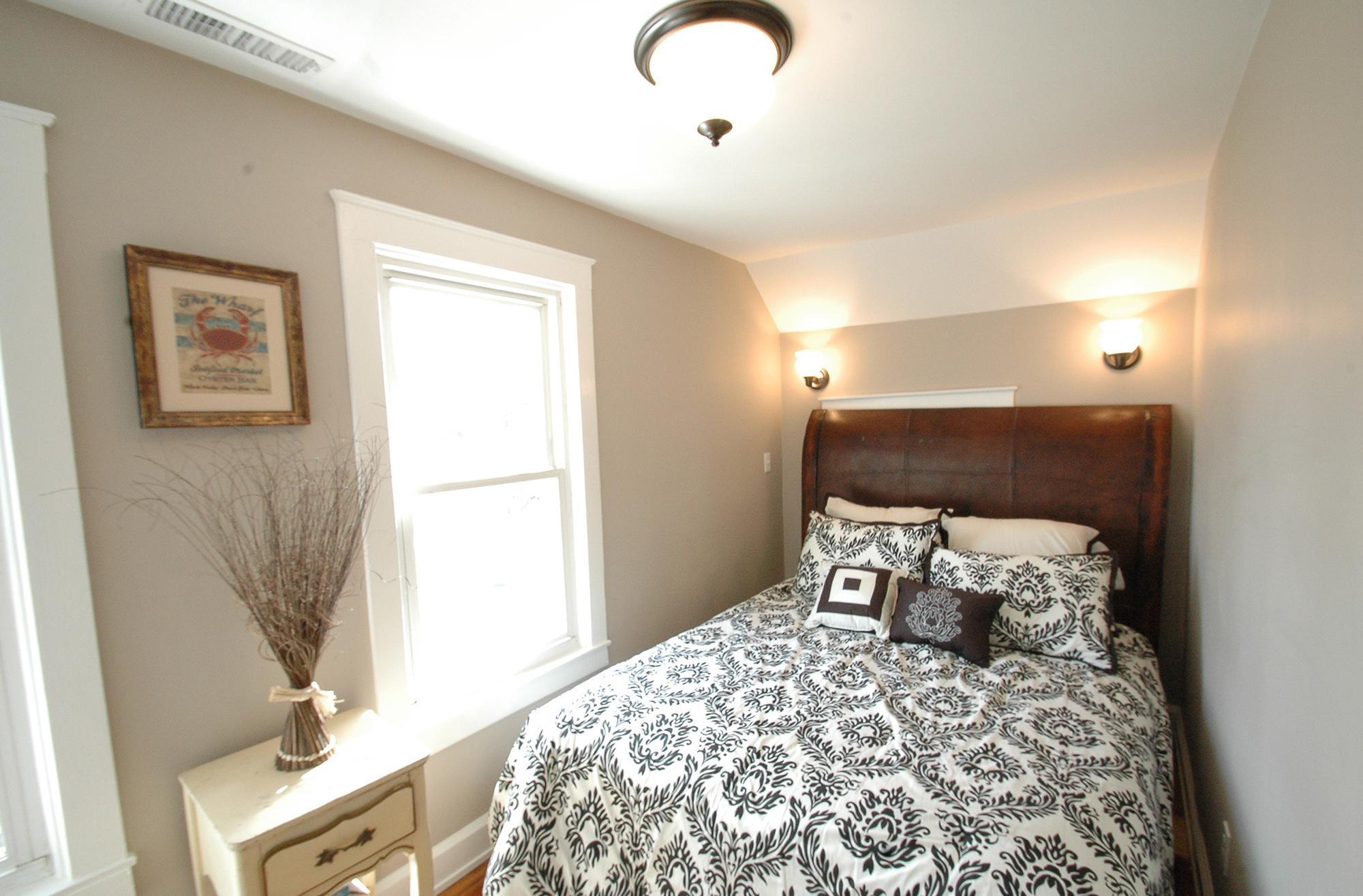 Дизайн узкой маленькой спальни