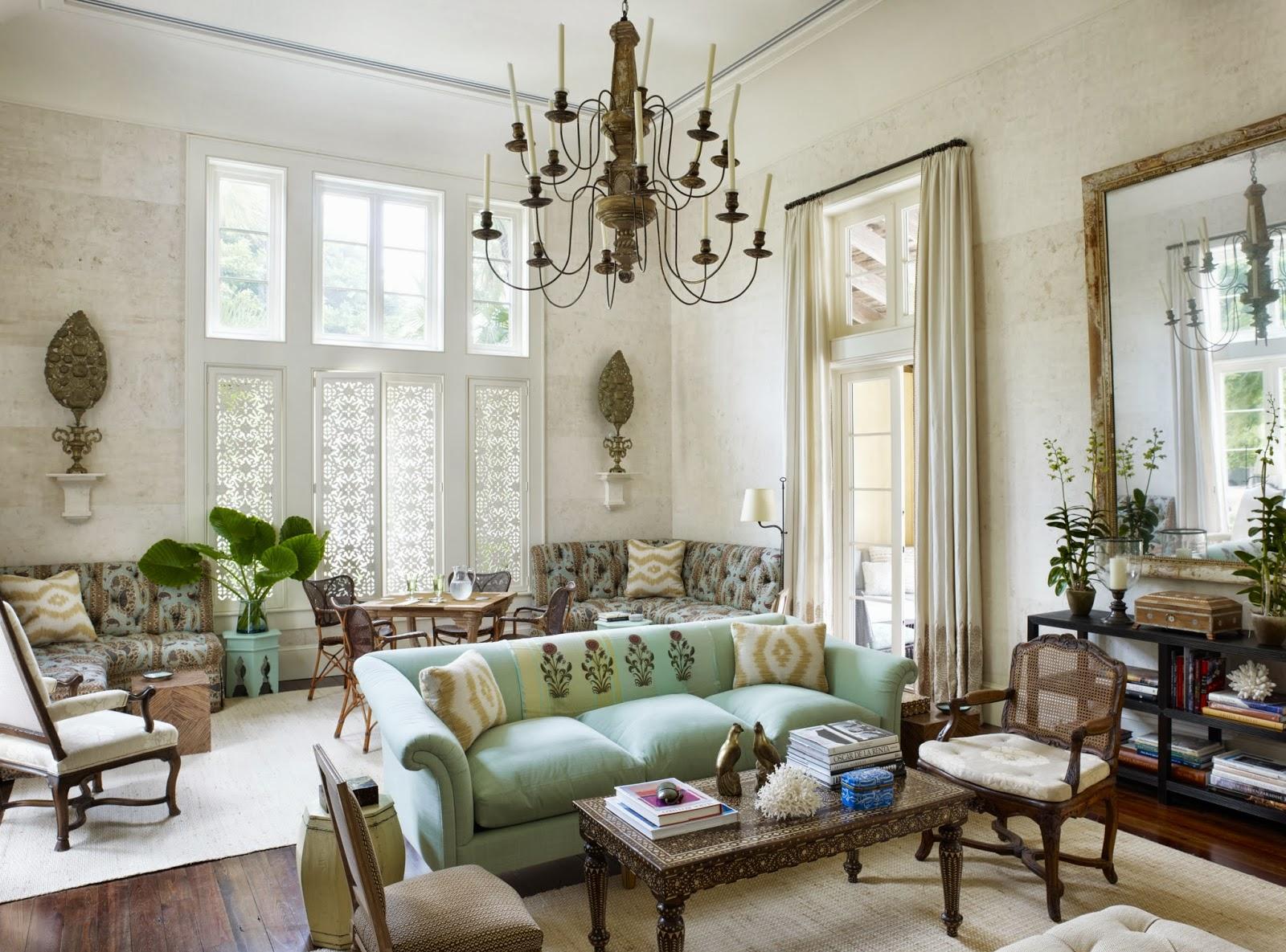 Мрамор в гостиной в классическом стиле