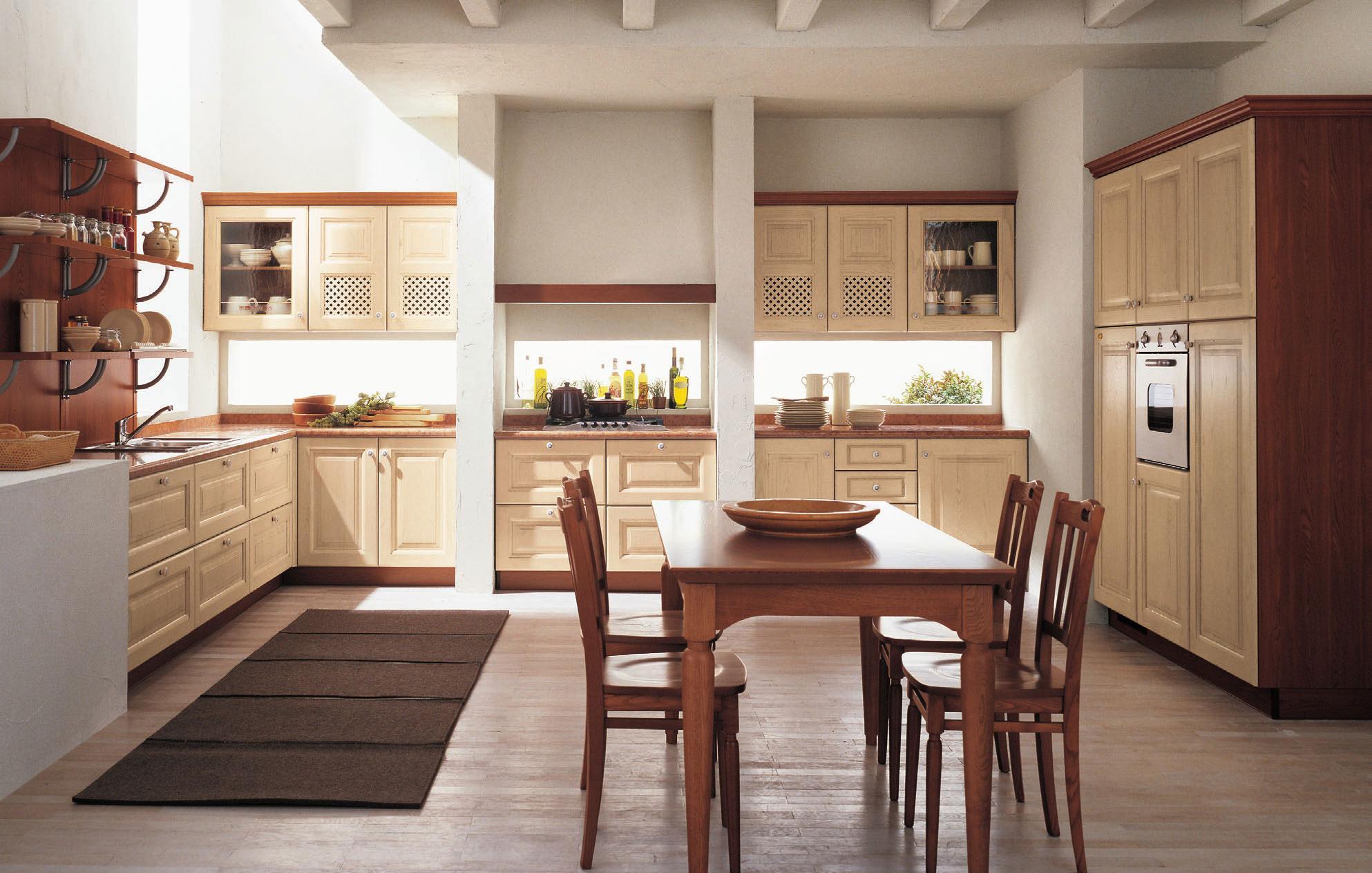Кухня в бежево-коричневых тонах