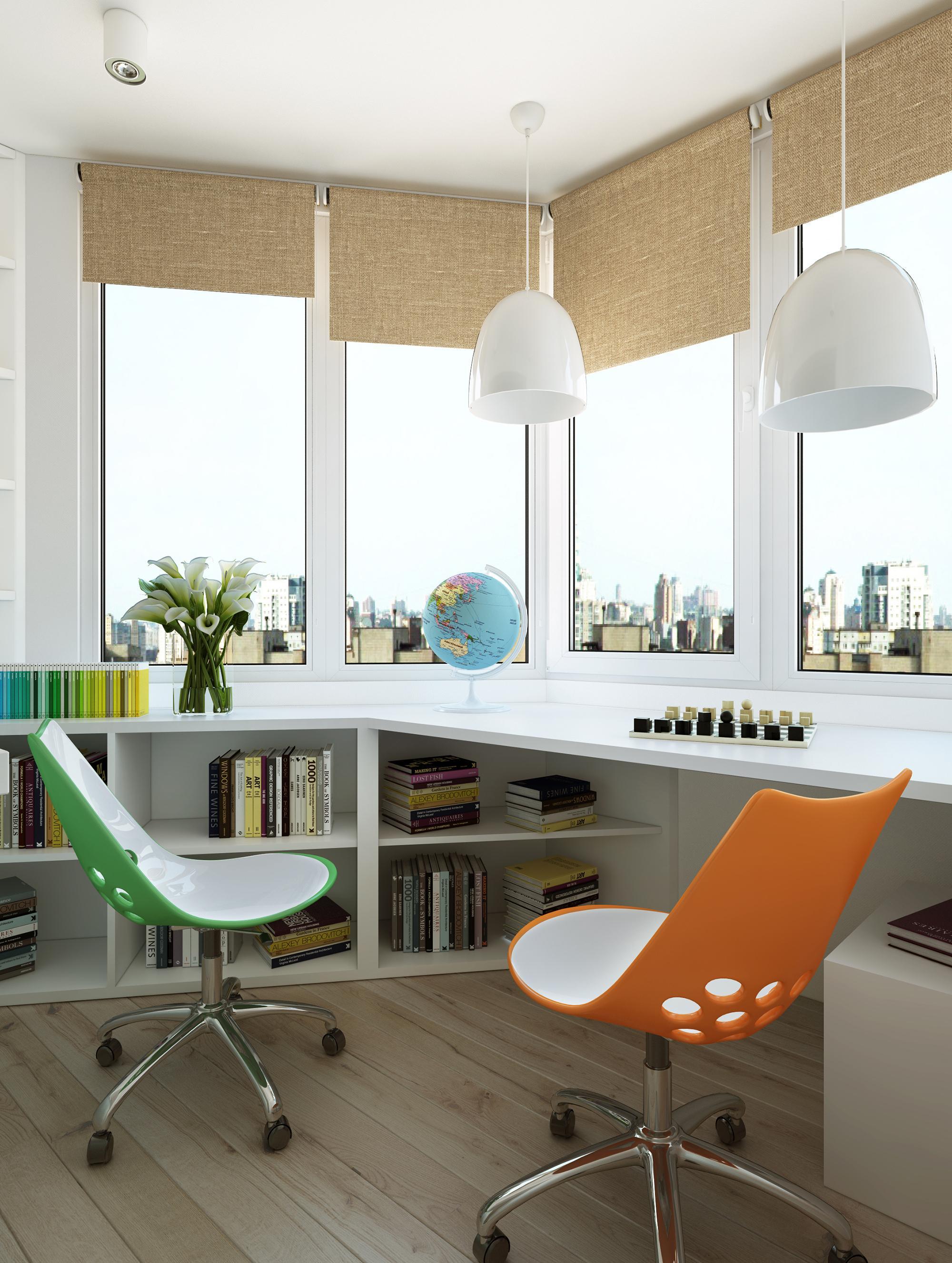 Удобная рабочая зона на балконе, подходящая и для общения