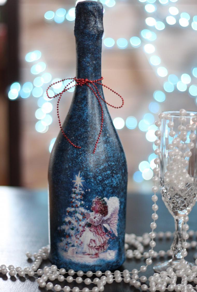 Декупаж бутылки шампанского изображением ангела