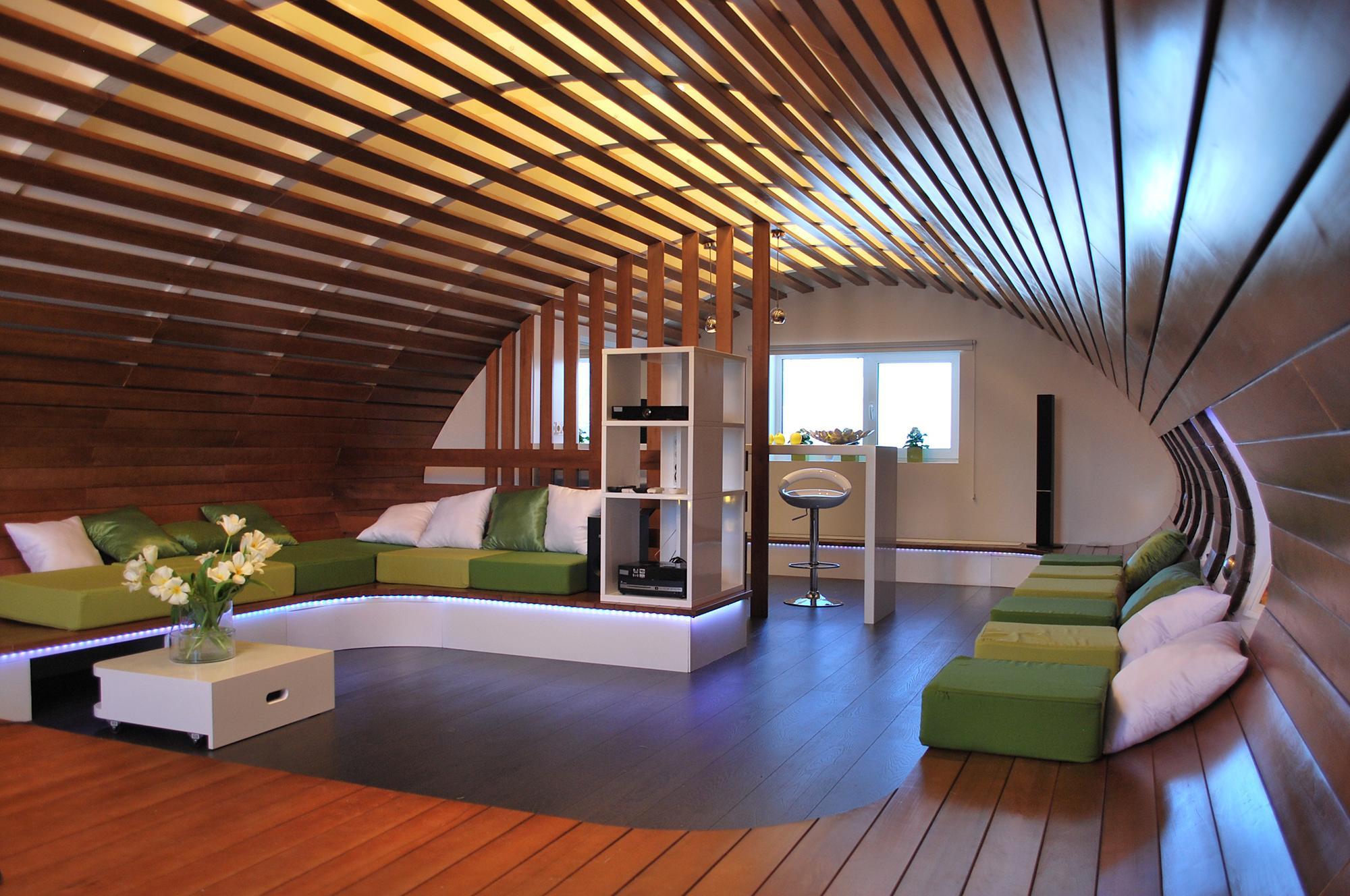 Реечный потолок в гостиной и кухне