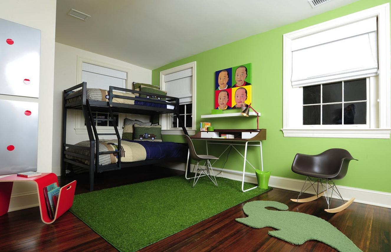 Дизайн детской комнаты для двух мальчиков со столом