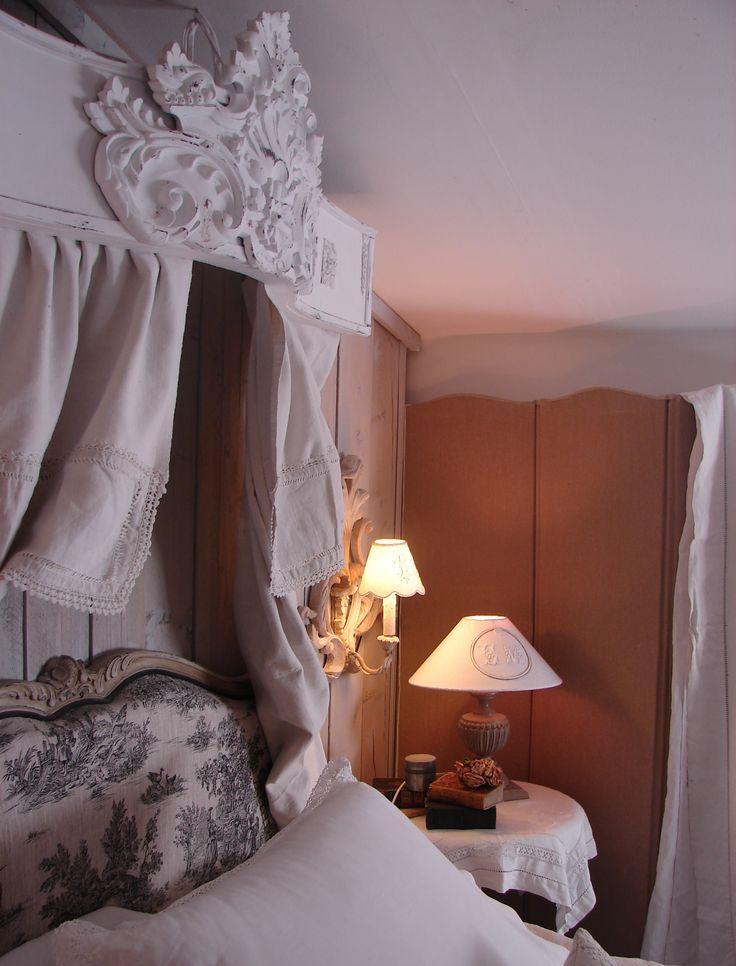 Балдахин над кроватью с декором