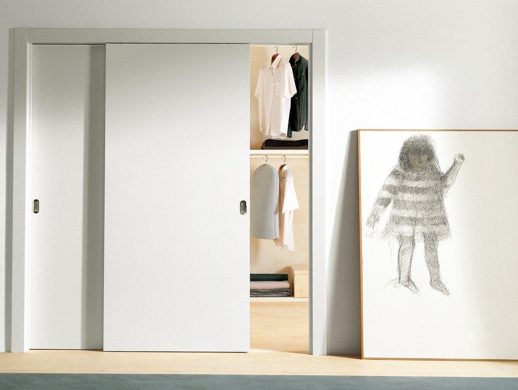 Встроенный шкаф с дверями купе