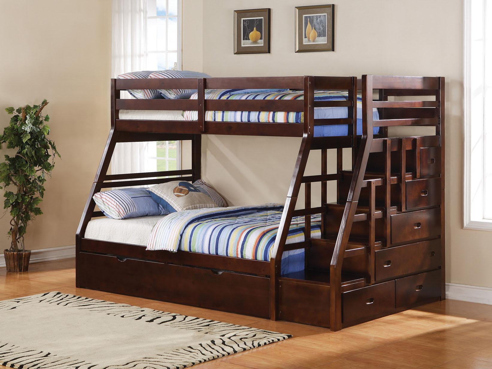 Двухъярусная детская кровать из массива