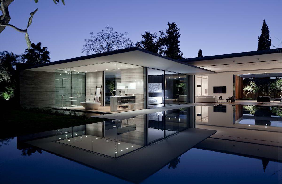 Дом в стиле неомодерн с бассейном