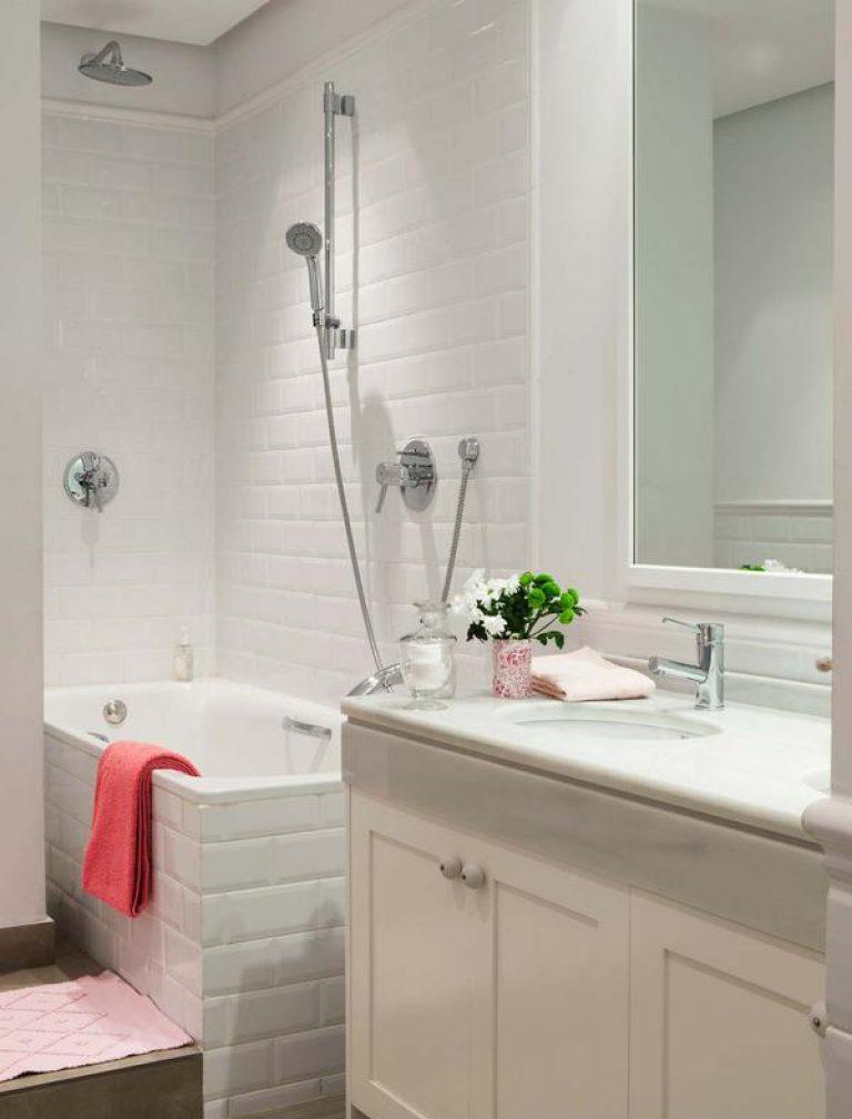Маленькая ванная комната в стиле ретро